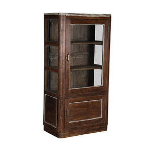 Vintage cabinet perfect size for your bathroom maybe. The finish is a lovely new finish in a natural brown with a little white. Size 76*44*150