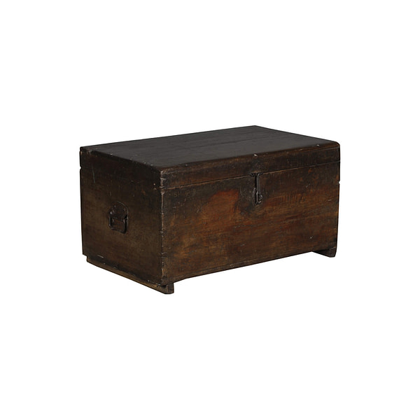 Old vintage box in the most beautiful patina. Works perfect as a sofa table or a pallet for storage. Size 76*47*40
